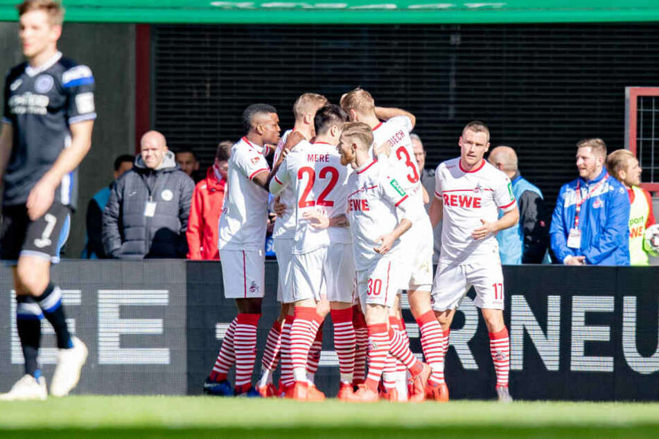 Kölner Jubel nach dem 1:0 durch Dominick Drexler in der 14. Minute.