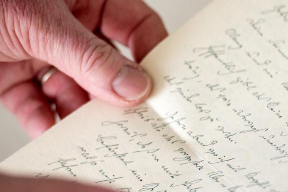 Zwei Mädchen schrieben einen Brief an die Eltern und rissen aus.