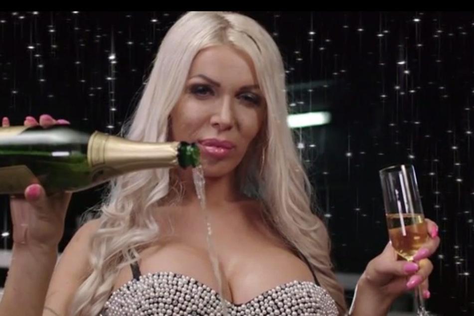 Die Transsexuelle Edona James liebt das Luxusleben .