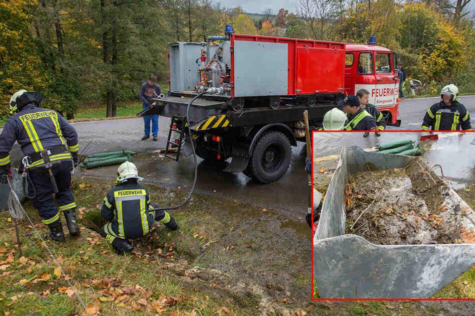 Das stinkt zum Himmel! Mehrere 100 Liter Gülle fluten Straße