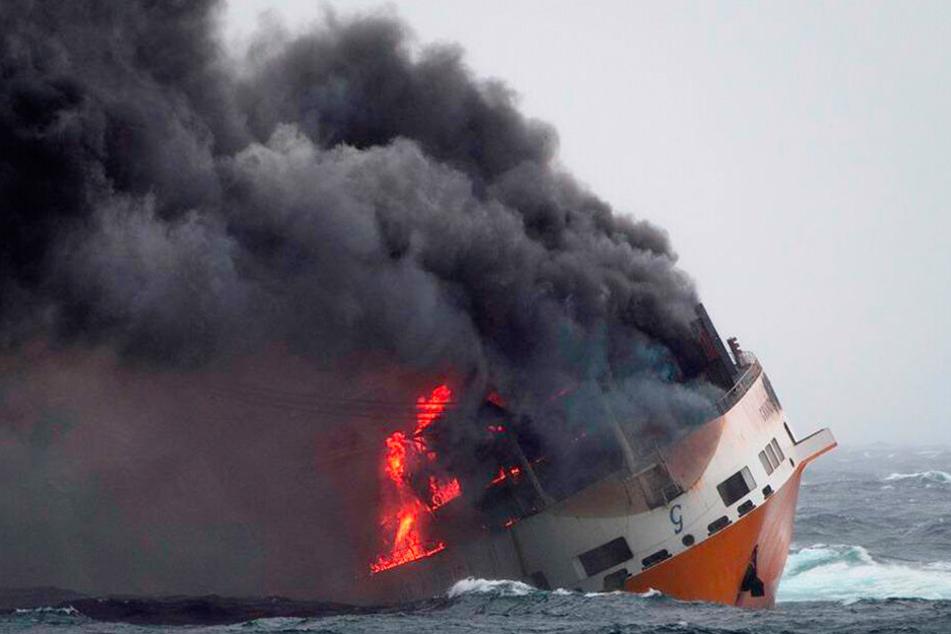 Der französische Staat mobilisiert Schiffe und Einsatzkräfte, um eine Ölkatastrophe an der Atlantikküste zu verhindern.