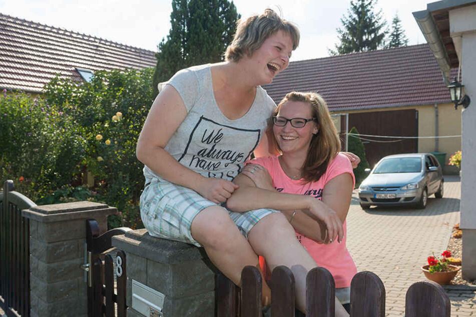Nancy Lehmann (20) versteht sich mit ihrer Schwester Eileen (24) super!