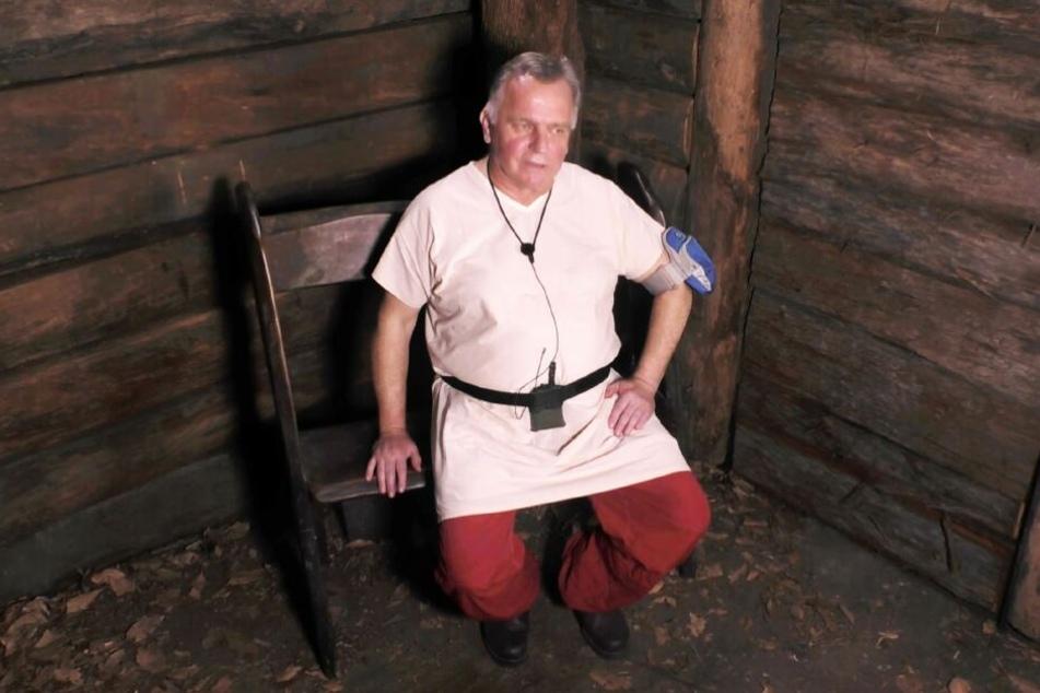 Ex-Bundesverkehrsminister Günther Krause (66) musste das Dschungelcamp schon an seinem zweiten Tag verlassen.