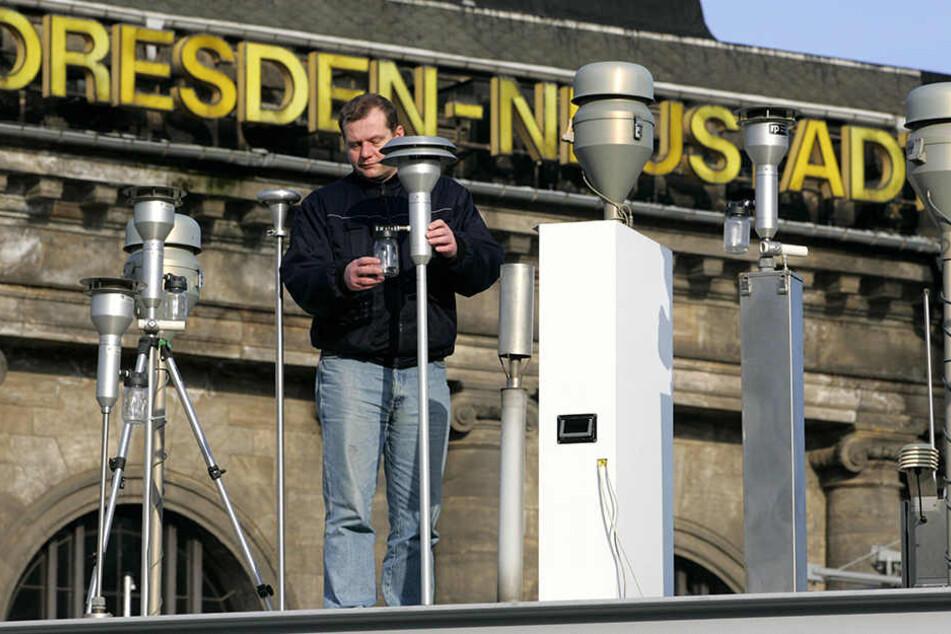 Am Bahnhof Dresden-Neustadt wird unter anderem die Qualität der Luft gemessen.