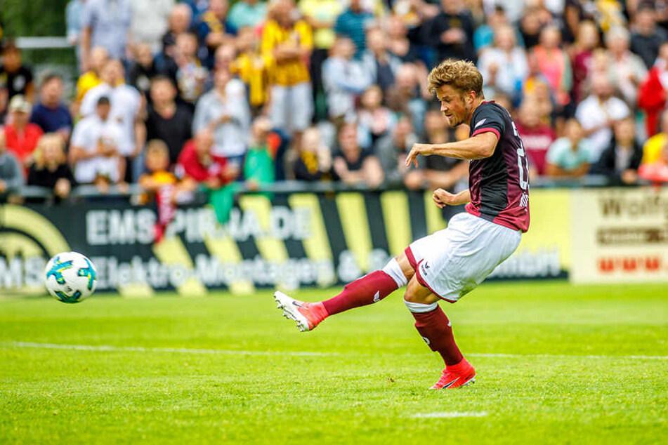 Patrick Möschl erzielte im neuen Auswärts-Trikot von Dynamo den Führungstreffer.