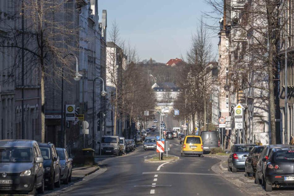 Chemnitz: Mysteriöser Überfall in Chemnitz: Ließen Räuber ihr Opfer nackt zurück?