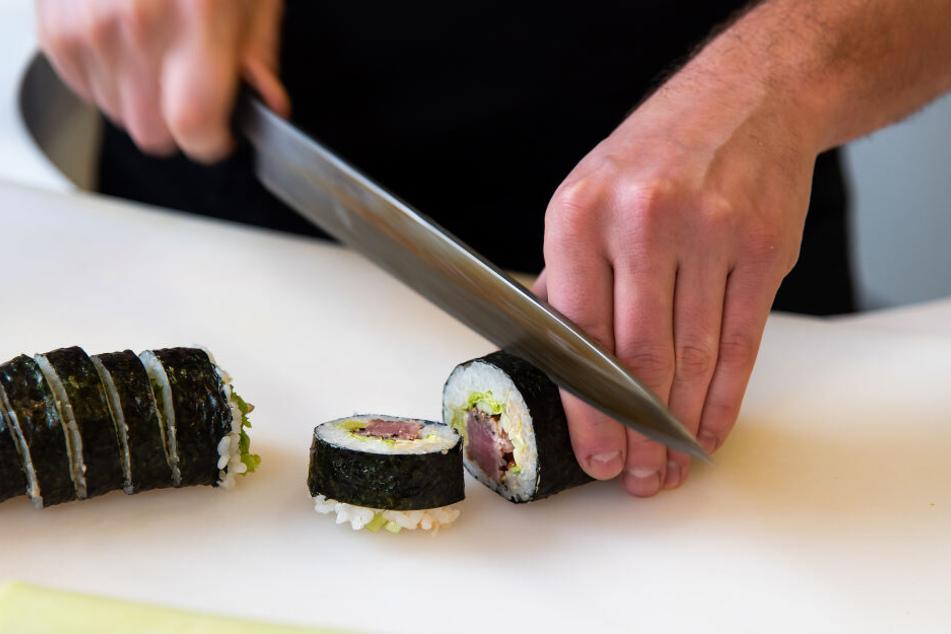 Mit einem solchen Messer soll der mutmaßliche Täter sein Opfer attackiert haben. (Symbolbild)