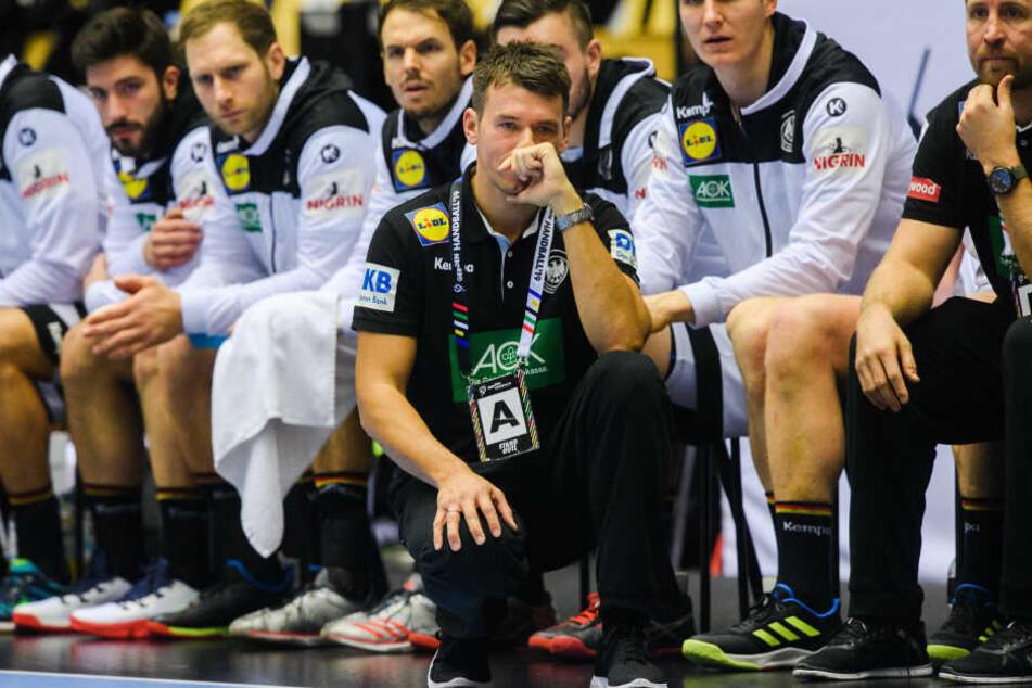 Fragende Gesichter auf der deutschen Bank: Nach der ersten Hälfte führte das Team mit 13:9.