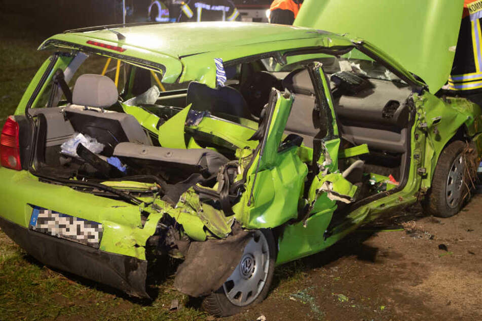 Horror-Unfall: Fahranfänger verliert plötzlich Kontrolle über sein Auto