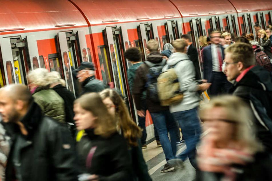 """S-Bahnstation """"Hauptbahnhof"""" in München: Die Stammstrecke ist seit Jahrzehnten chronisch überlastet."""