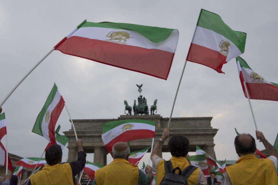 Laut Polizei erwarten die Veranstalter zu der Demonstration durch das Berliner Regierungsviertel 12.000 Teilnehmer.