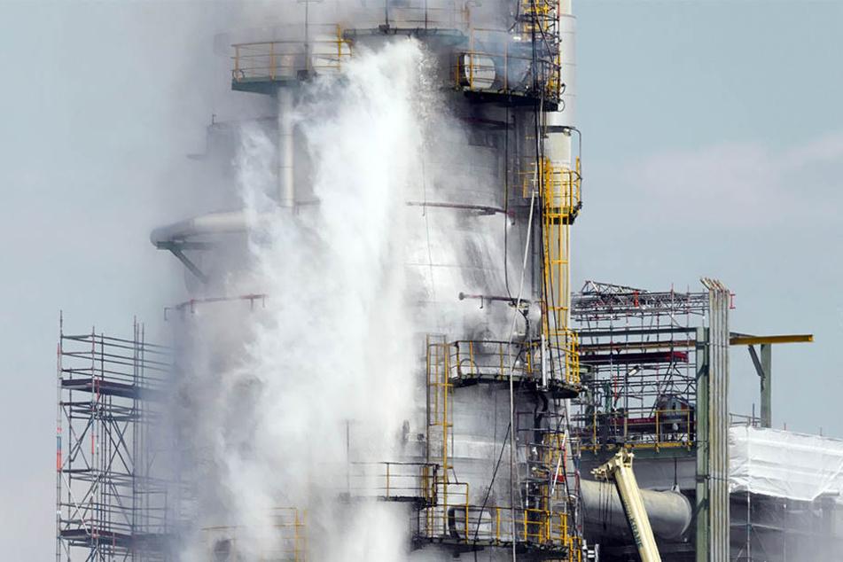 In der Total-Raffinerie in Leuna ist es am 17. Mai zu einem Brand gekommen. Nun musste die Kraftstoff-Produktion ausgesetzt werden.