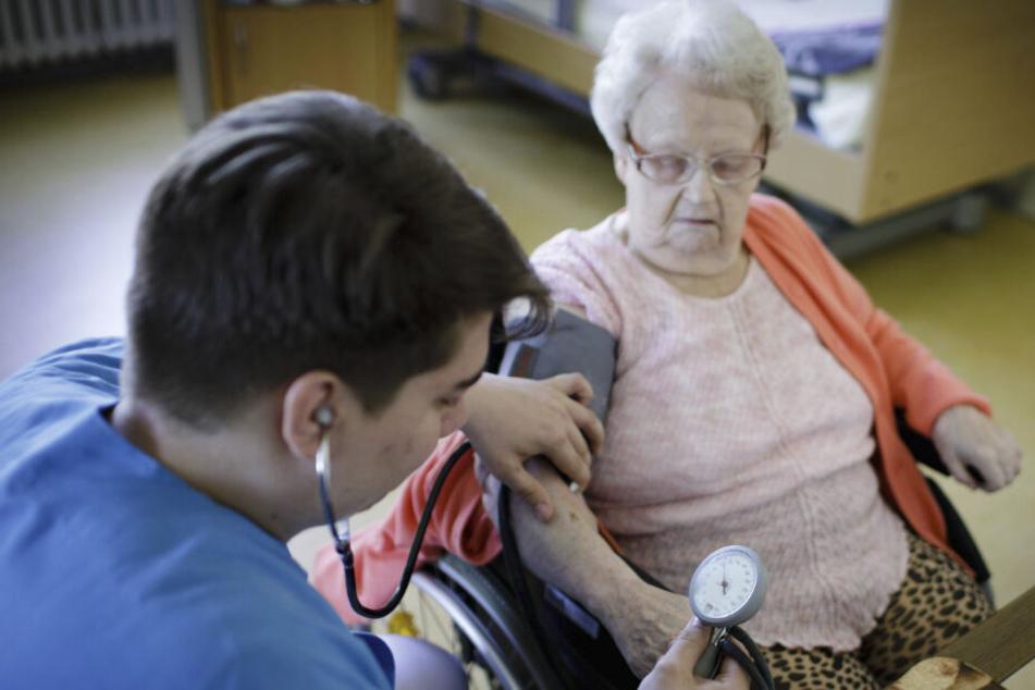 Pflege-Lücke: Sachsen sucht Tausende Fachkräfte im Ausland