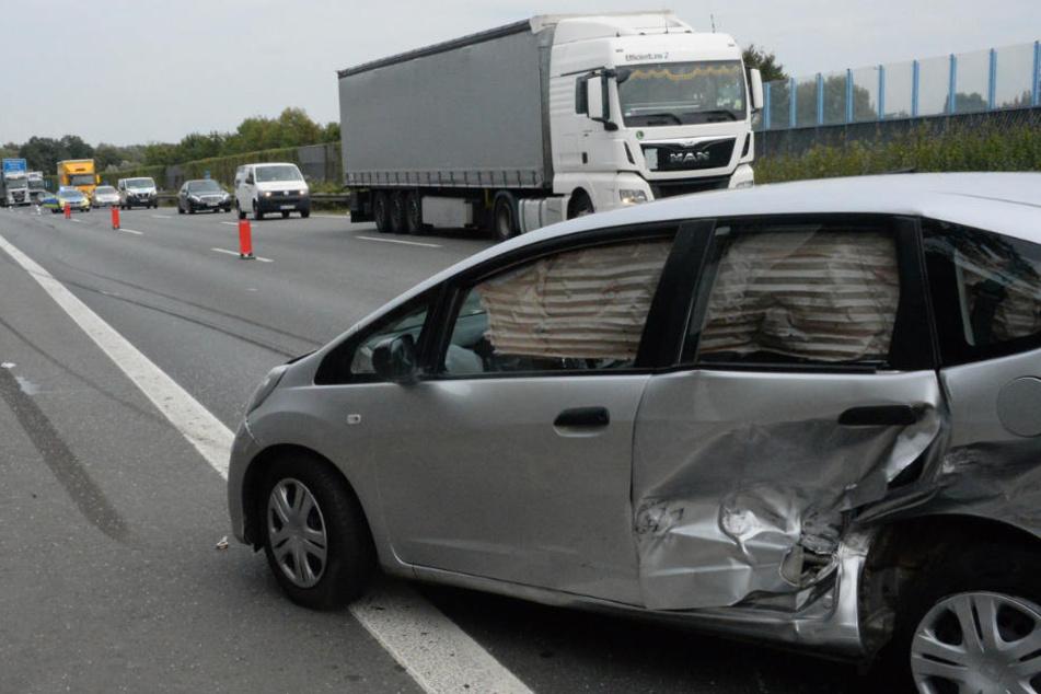 Die Insassen des Hondas wurden leicht verletzt.