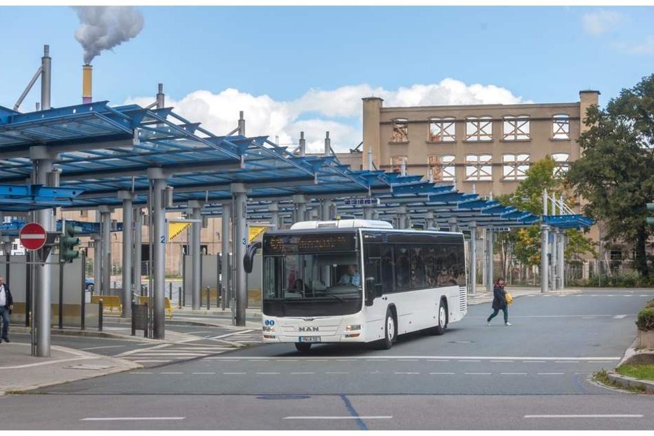In der Nacht wurde ein Busfahrer am Omnibusbahnhof angegriffen.