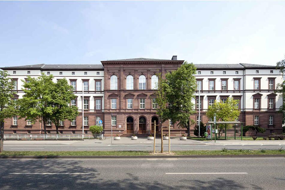 Ob der Mann sich wirklich zum Töten mit seinem Opfer verabredete, muss nun vor dem Landgericht in Gießen geklärt werden.