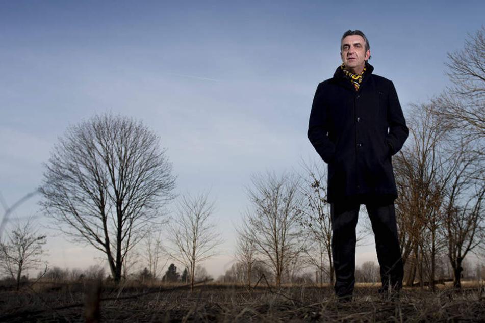 Dynamos Sportdirektor Ralf Minge  hat den (Transfer-)Markt im Blick.