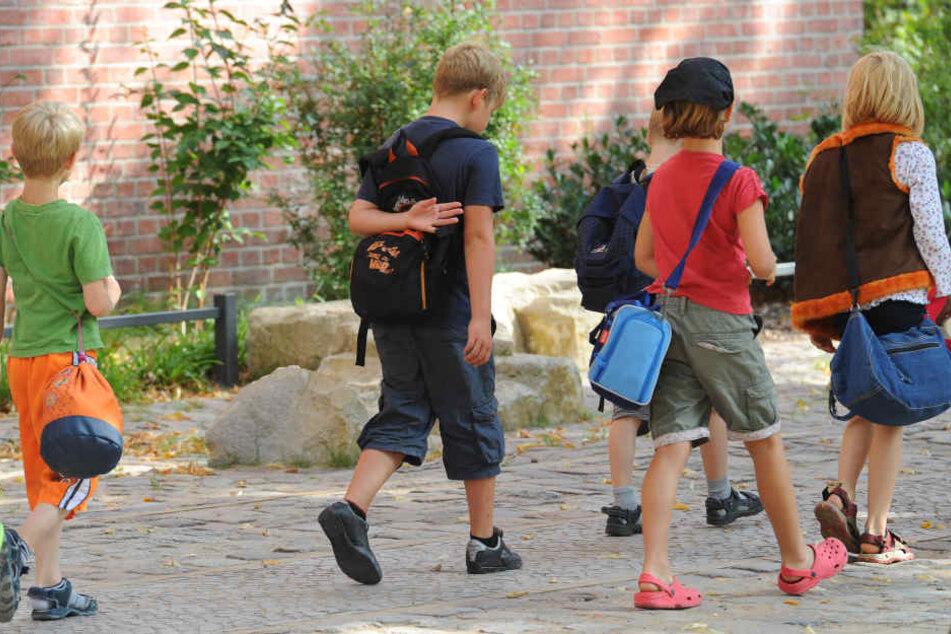 In einer Grundschule hat ein Junge einem Freund eine scharfe Gewehrpatrone geschenkt. Vermutlich hatte er sie von einem Familienangehörigen bekommen. (Symbolbild)