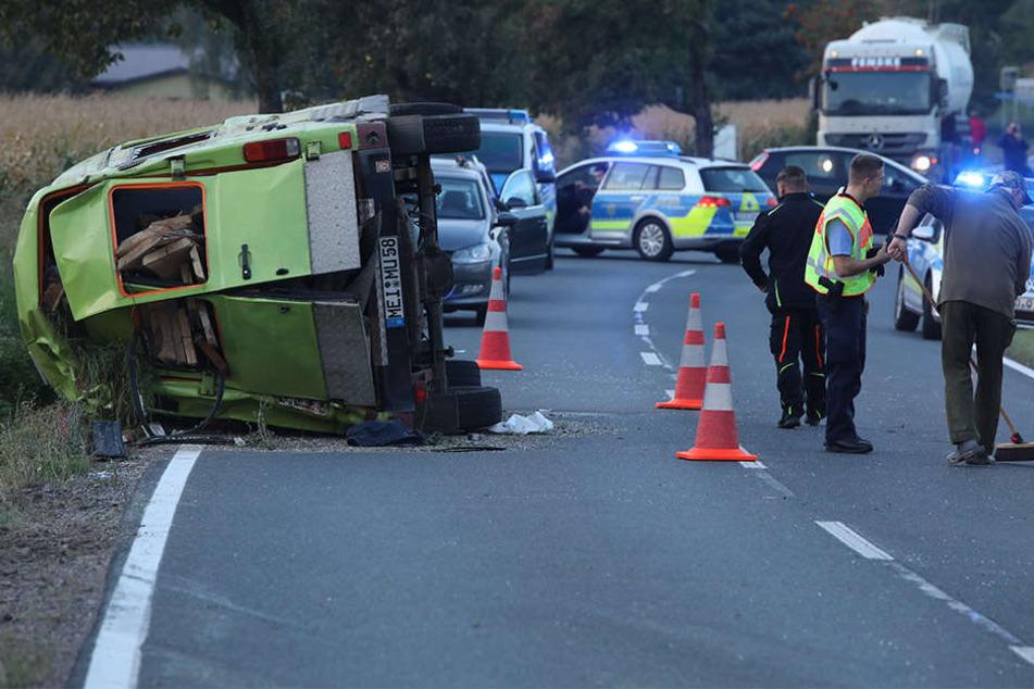 Die Polizei musste die S177 vollsperren und ermittelt, ob der Fahrer alkoholisiert unterwegs war.