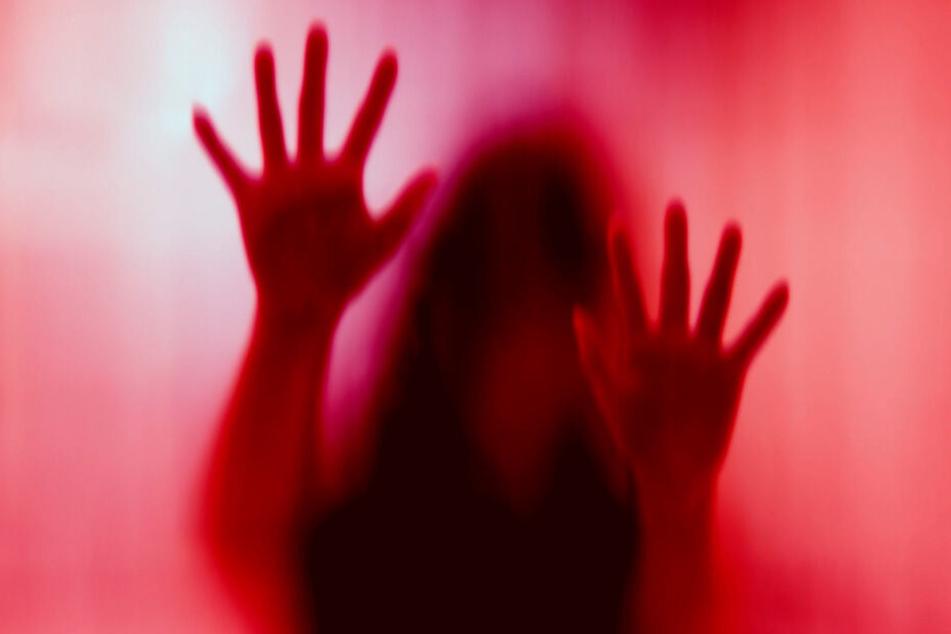 Nach zwei Jahren Inzest-Hölle endete es mit dem Tod der 19-Jährigen (Symbolbild).