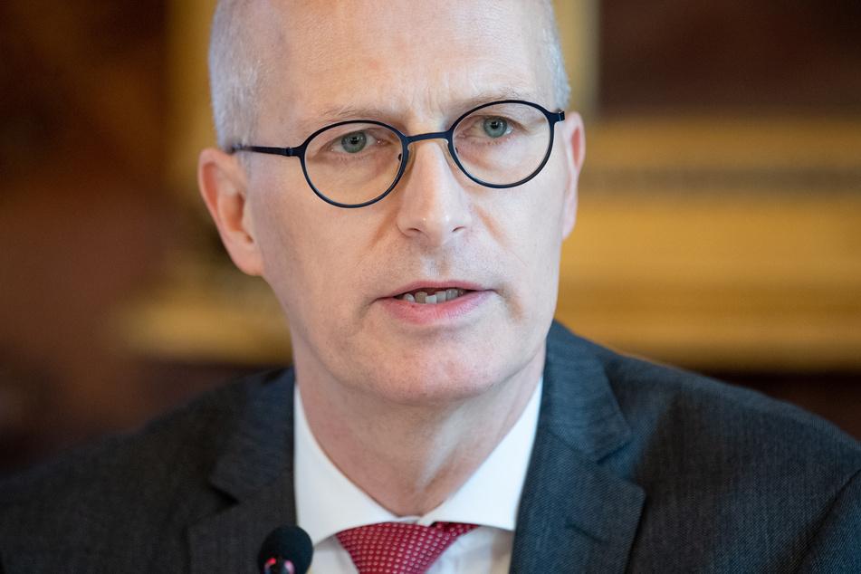 Peter Tschentscher (SPD), Erster Bürgermeister von Hamburg, informiert über die aktuelle Lage.