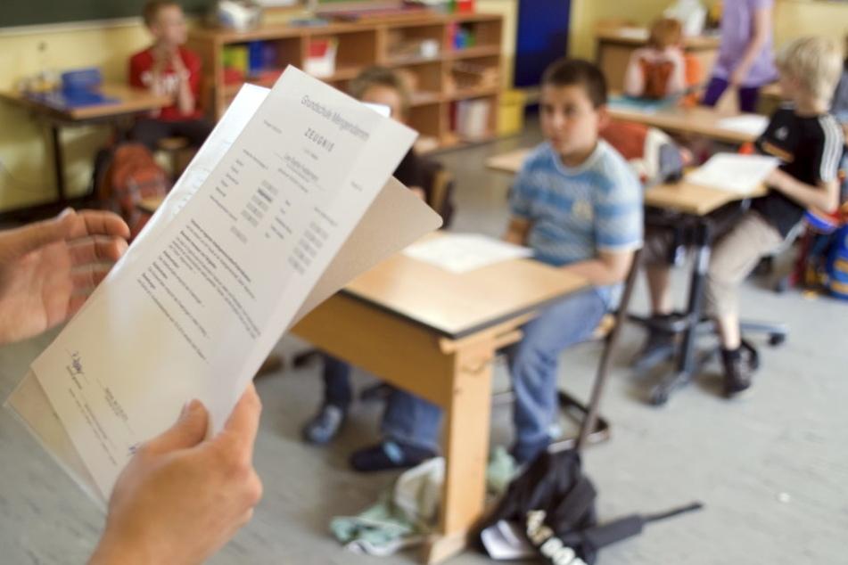 Bildungsempfehlungen bekommen Viertklässler auch weiterhin. Aber sie müssen  sich nicht mehr daran halten. Test und Beratungsgespräch sind aber Pflicht.