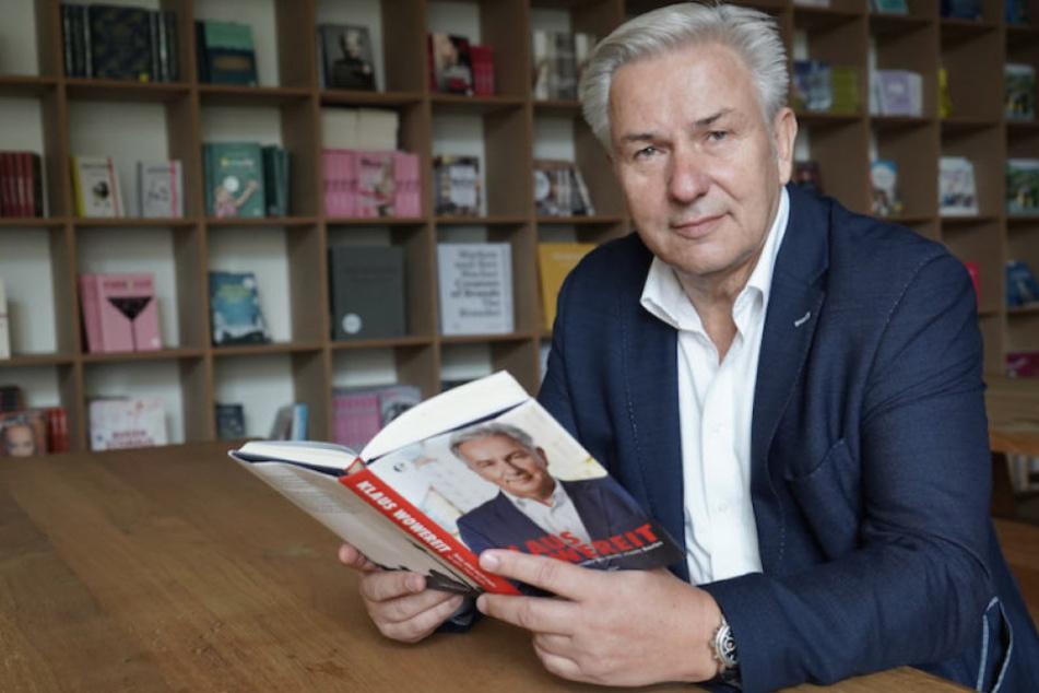 """Klaus Wowereit (64) im Mai 2018 bei der Vorstellung seines Buches """"Sexy, aber nicht mehr so arm: mein Berlin""""."""