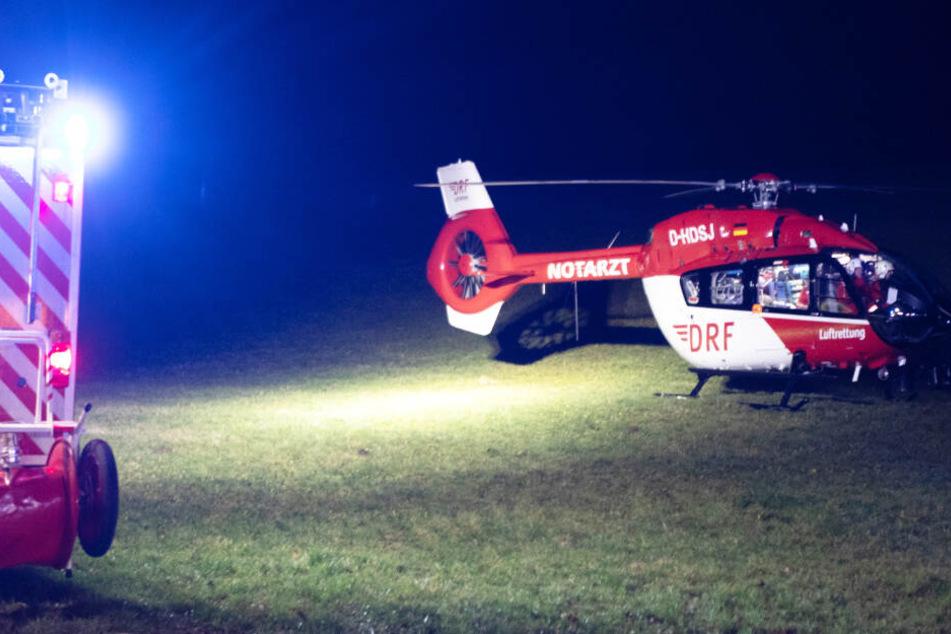 Zwei Unfallopfer mussten von den Rettern mit Hubschraubern in Kliniken gebracht werden.