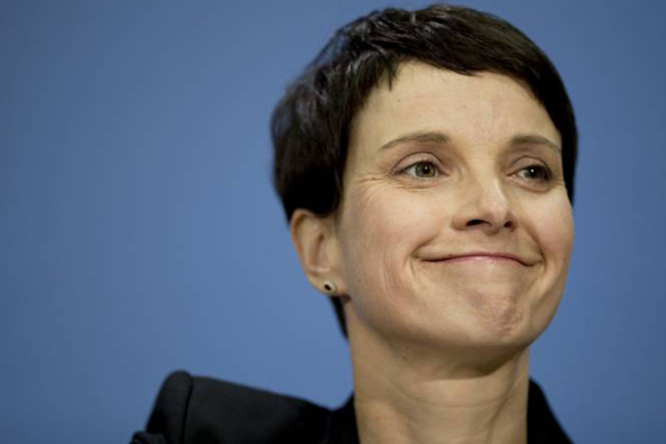 Kurz vorm Wahlkampf: Frauke Petry soll tatsächlich schwanger sein!