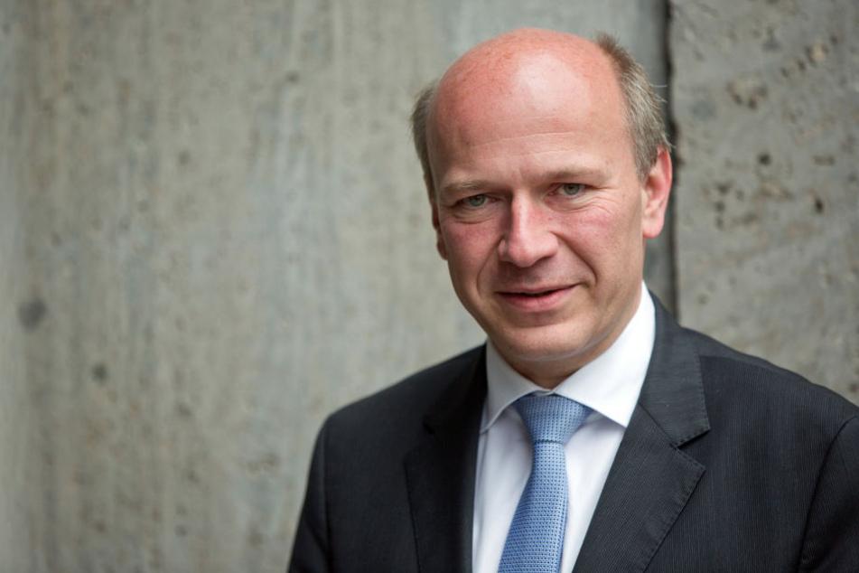Der CDU-Bundestagsabgeordnete Kai Wegner will den Neonazi-Aufmarsch am 18. August in Berlin-Spandau verbieten lassen.