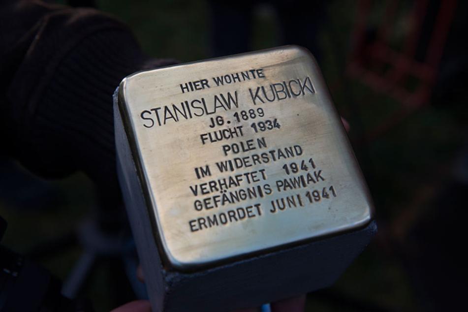 Ein Stolperstein mit dem Namen von Stanislaw Kubicki wurde neu verlegt.