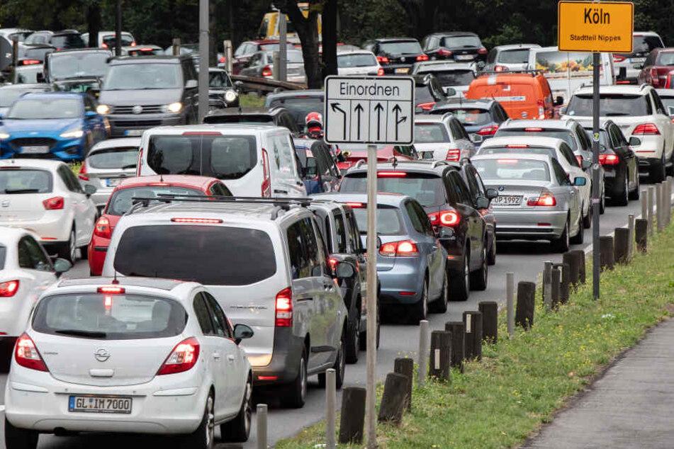 Dürfen alte Diesel bald noch durch Köln fahren? Am Donnerstag entscheidet das OVG Münster darüber.