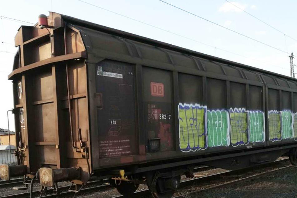 Auf dem Dach dieses Güterwaggons ereignete sich das furchtbare Unglück.