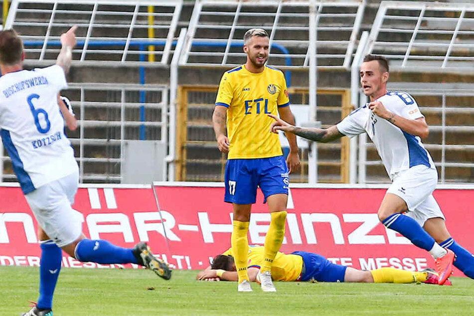 Tomas Petracek (r.) erzielte beide Treffer beim 2:1 für Bischofswerda bei Lok Leipzig.