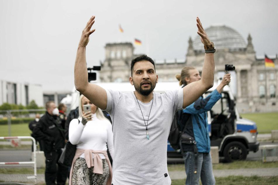 Attila Hildmann (39) rief zur Demonstration gegen die Pandemie-Maßnahmen auf.