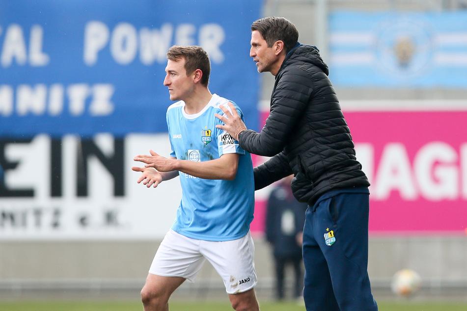 Unter Trainer Patrick Glöckner (r.) hat sich Daniel Bohl zum Stammspieler gemausert.