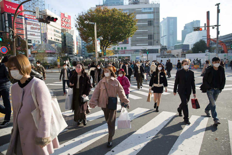Japan is hoping to use smartphones to help its aging population cross the street safely.