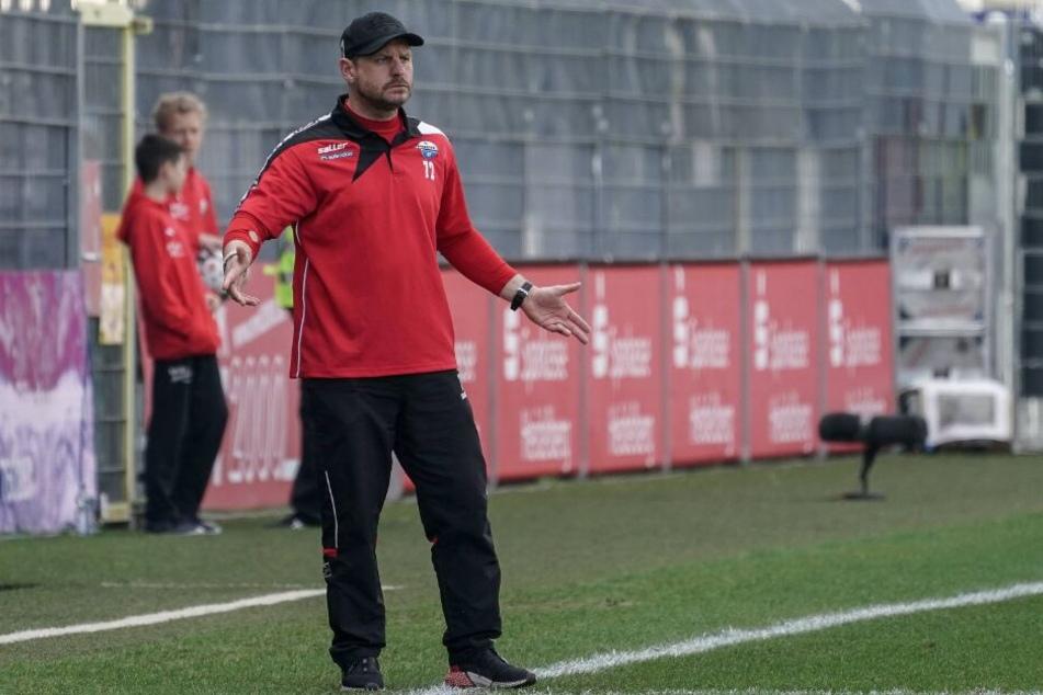 SCP-Trainer Steffen Baumgart erwartet ein intensives Spiel gegen Duisburg.