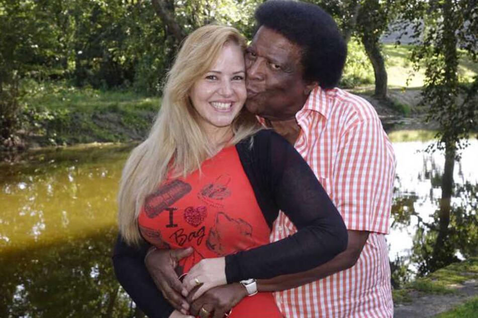 Roberto Blancos (79) Ehefrau Luzandra Strassburg (37) begleitete ihn in die Klinik in Linz.