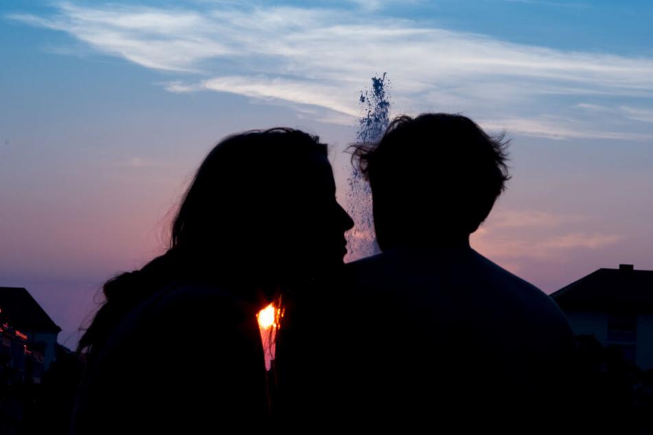 Durch die steigenden Sonnenstunden werden verstärkt Hormone ausgeschüttet. (Symbolbild)