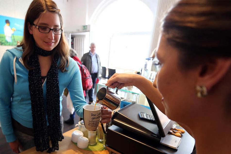 In einigen Bäckereien gibt es schon die Möglichkeit, seinen eigenen Kaffeebecher mitzubringen.