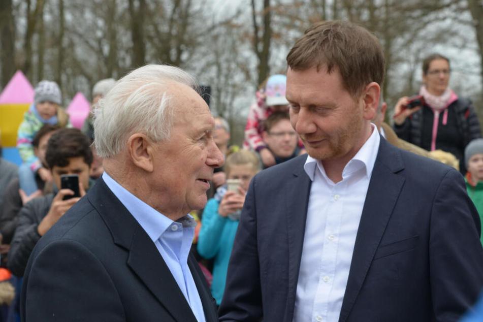 Ministerpräsident Michael Kretschmer (44) traf Sigmund Jähn im März am Chemnitzer Kosmonautenzentrum.