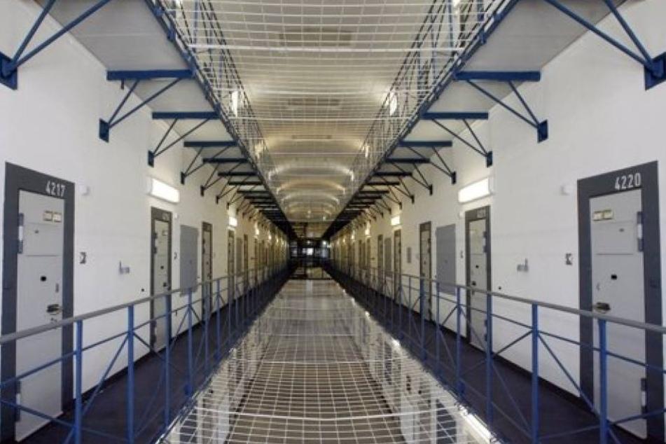 800 Männer befanden sich in dem Gefängnis, in dem eigentlich nur Platz für 400 Insassen ist. (Symbolbild)