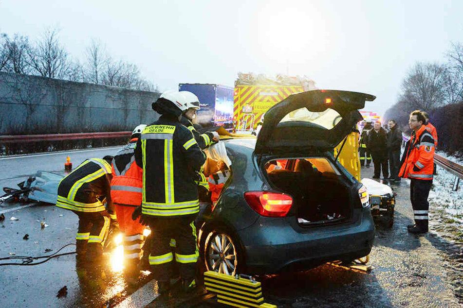 Zahlreiche Rettungskräfte waren vor Ort.