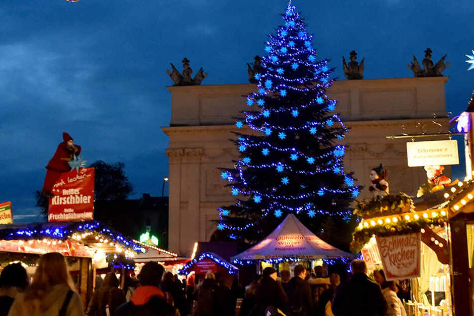 Auf dem Weihnachtsmarkt in Potsdam wurde ein verdächtiger Gegenstand entdeckt.
