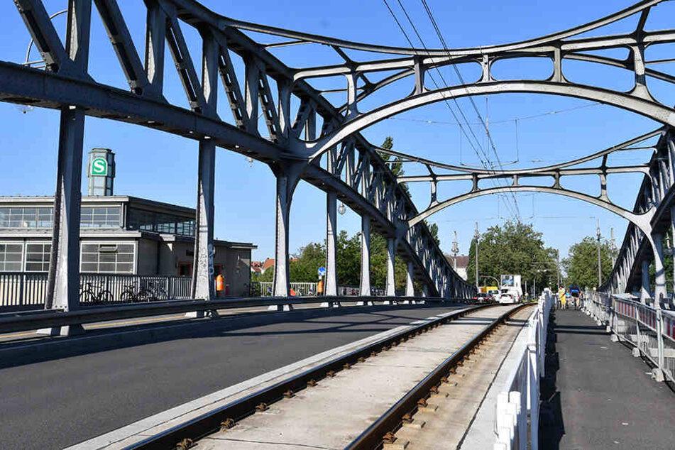 Nach zwei Jahren: Freie Fahrt auf der Bösebrücke