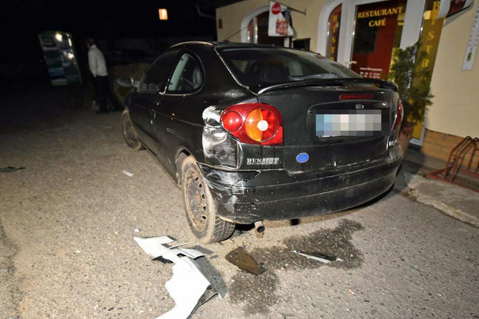 Gegen diesen Renault krachte der Audi auf seiner Irrfahrt.