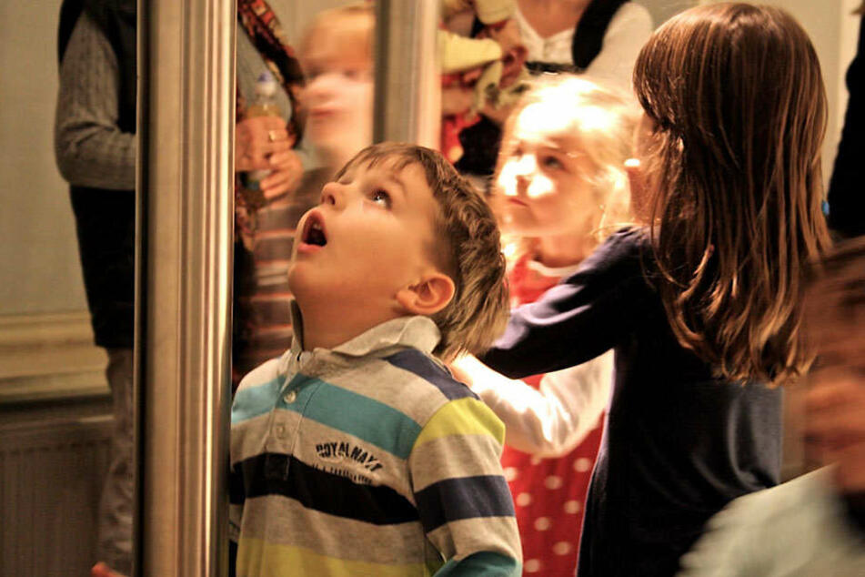 Die Kleinen sollen von den Älteren lernen, welche Lieder man früher gesungen hat.