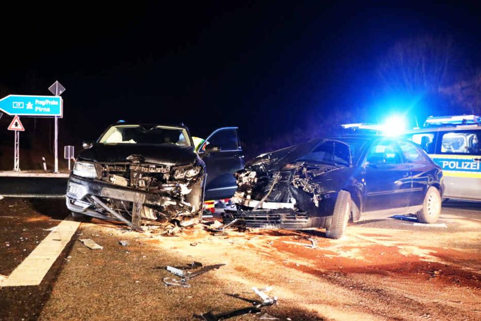 Die Wagen nahmen sehr großen Schaden.