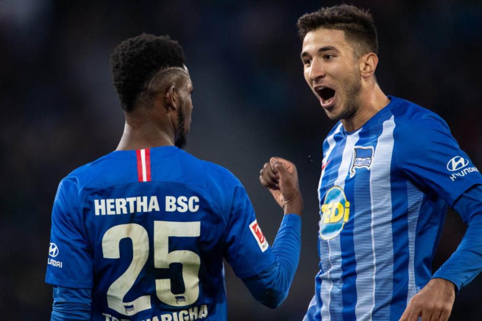 Jordan Torunarigha und Marko Grujic bejubeln das 1:0 über Hannover 96.